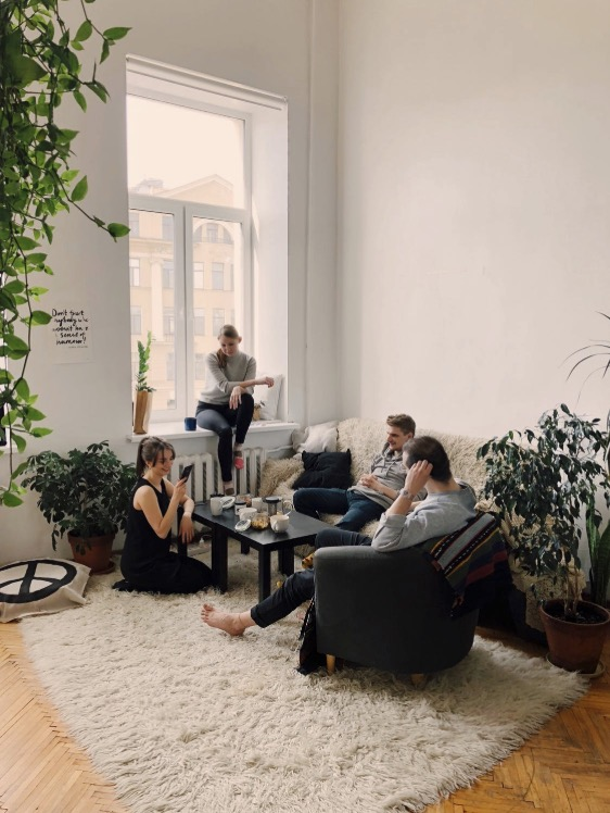 Hop On To The Trend Of Couchsurfing...You Will Love It