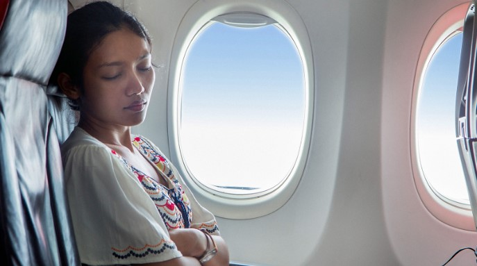 How To Overcome Cravings During Flights